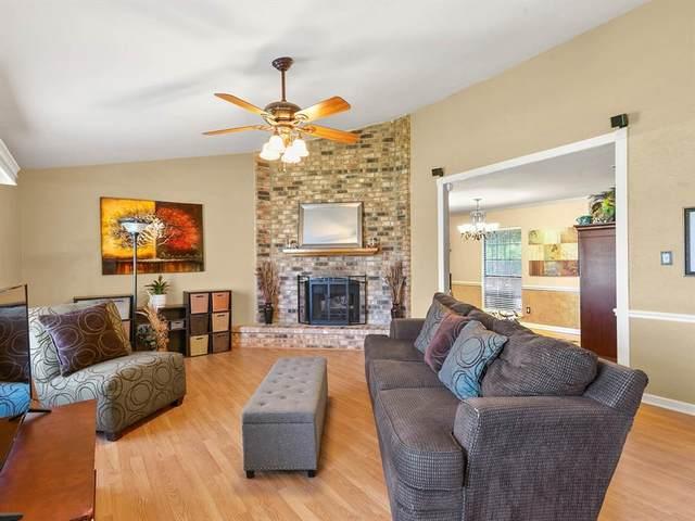 5300 Creek Valley Drive, Arlington, TX 76018 (MLS #14649668) :: Craig Properties Group