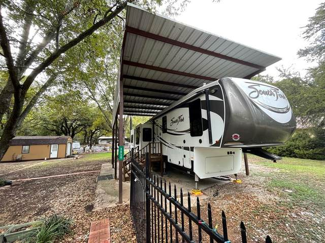 3850 Boquillas Circle, Granbury, TX 76048 (MLS #14654152) :: Real Estate By Design