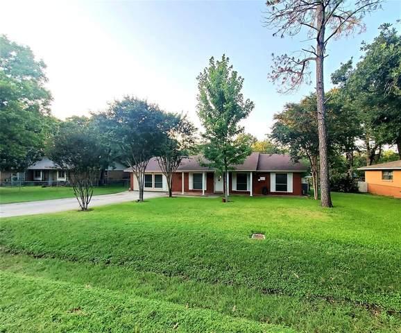 1021 Jarvis Lane, Azle, TX 76020 (MLS #14660412) :: Real Estate By Design