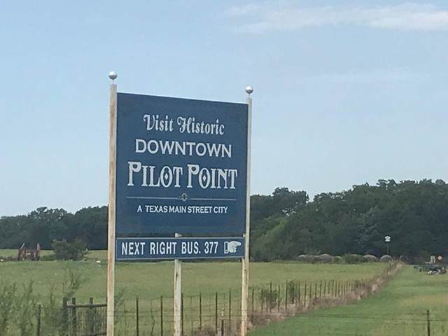 1111 Us 377 Highway, Pilot Point, TX 76258 (MLS #14660877) :: Robbins Real Estate Group