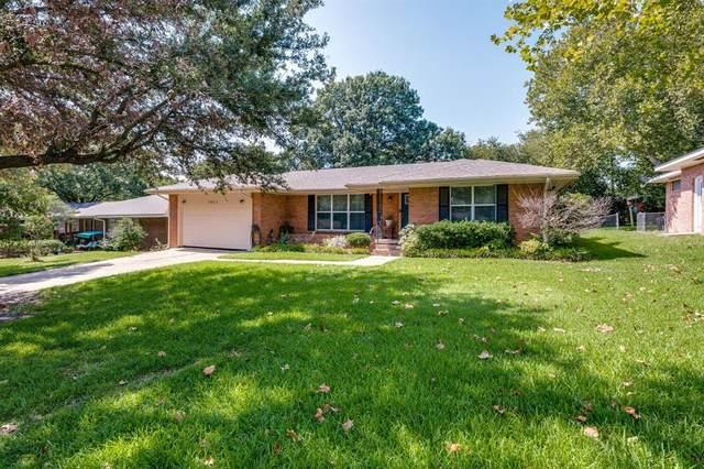 1411 Robin Drive, Sherman, TX 75092 (MLS #14661355) :: Real Estate By Design