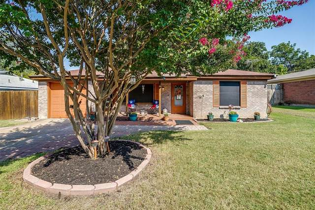 421 Parkside Drive, White Settlement, TX 76108 (MLS #14665656) :: Russell Realty Group