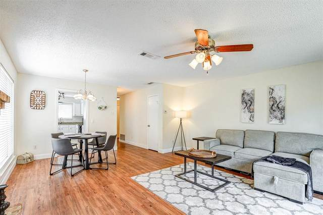 2216 Jamestown Lane, Carrollton, TX 75006 (MLS #14666020) :: Real Estate By Design