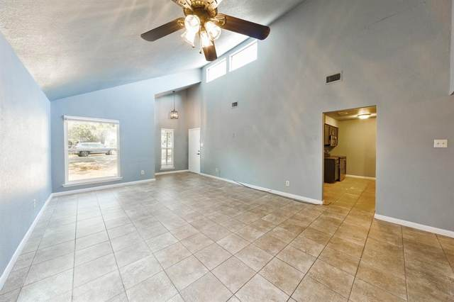 1219 Elm Court, Runaway Bay, TX 76426 (MLS #14668027) :: Russell Realty Group