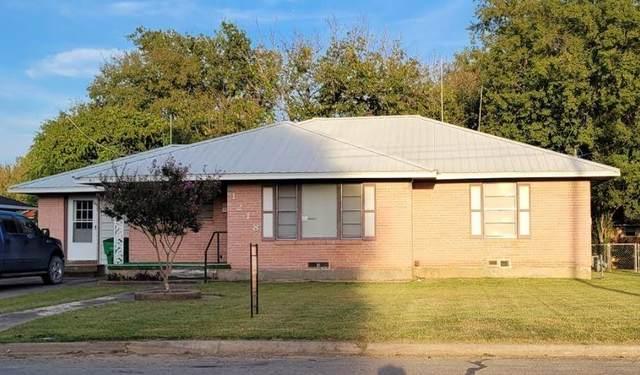 1218 Fair Avenue, Gainesville, TX 76240 (MLS #14669476) :: Lisa Birdsong Group | Compass