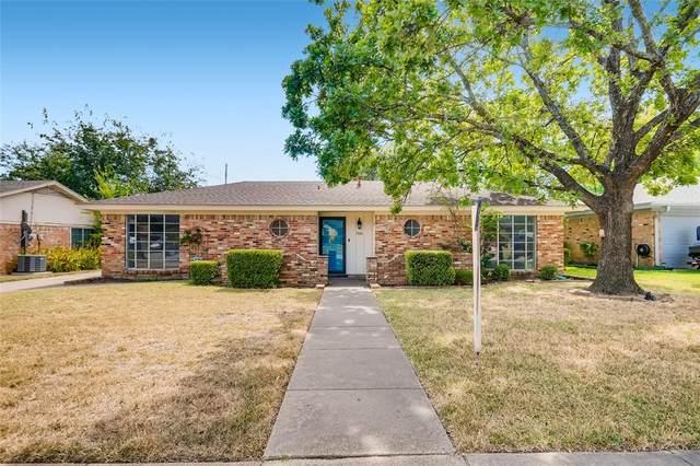 700 Spring Lake Drive, Bedford, TX 76021 (MLS #14673202) :: Real Estate By Design