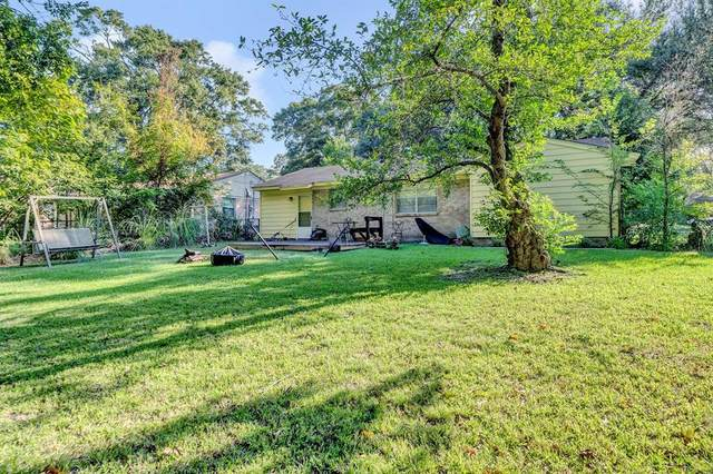 3727 Appletree Lane, Tyler, TX 75701 (MLS #14673665) :: VIVO Realty