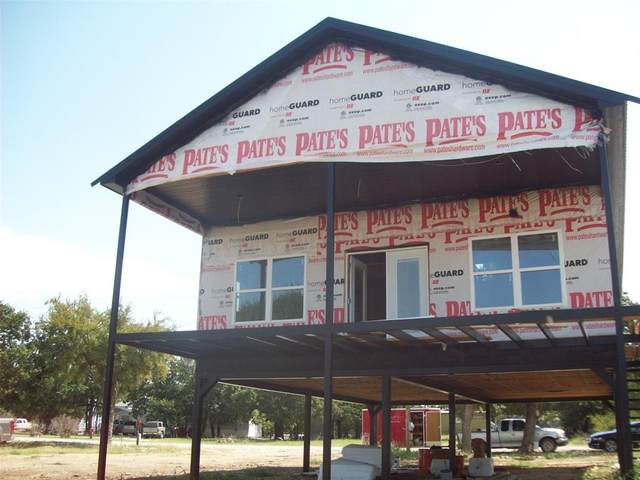141 Hawk Lane, Brownwood, TX 76801 (MLS #14675967) :: Frankie Arthur Real Estate
