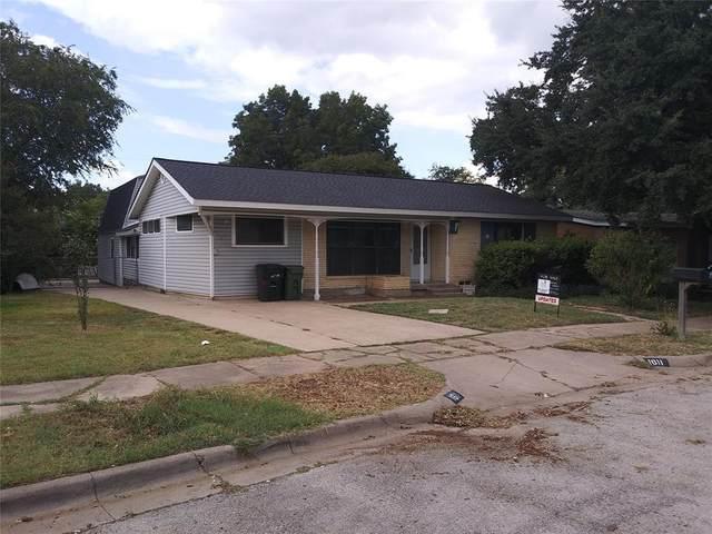 1611 Herschel Street, Arlington, TX 76010 (MLS #14682955) :: The Star Team | Rogers Healy and Associates