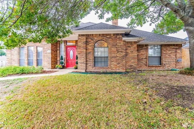 7860 Mahonia Drive, Fort Worth, TX 76133 (MLS #14687037) :: Jones-Papadopoulos & Co