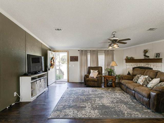 172 Brazos Valley Lane, Weatherford, TX 76087 (MLS #14687489) :: Real Estate By Design