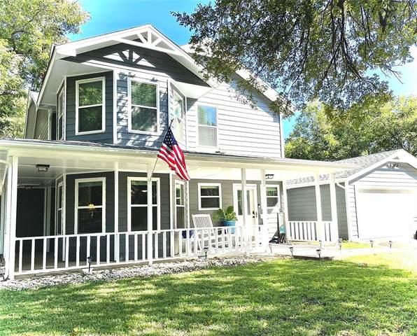 1420 S Lindsay Street, Gainesville, TX 76240 (MLS #14687984) :: Lisa Birdsong Group | Compass