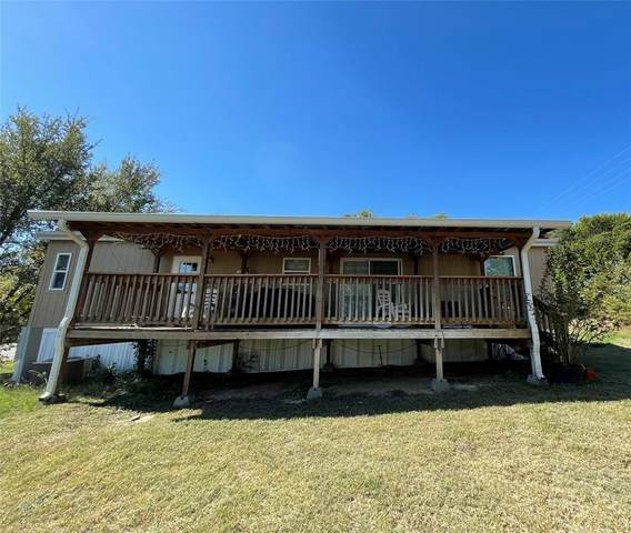 902 Pecos River Drive, Granbury, TX 76048 (MLS #14693791) :: Trinity Premier Properties