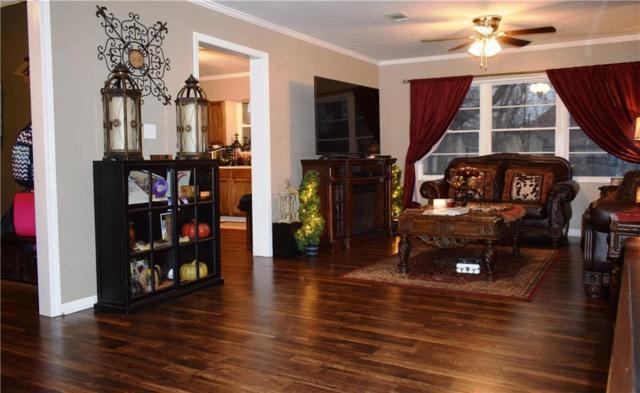 414 W 8th Street, Bonham, TX 75418 (MLS #13754931) :: Robbins Real Estate Group