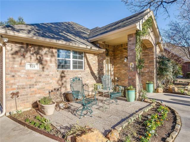 829 Royal Oak Lane, Burleson, TX 76028 (MLS #13765795) :: Team Hodnett