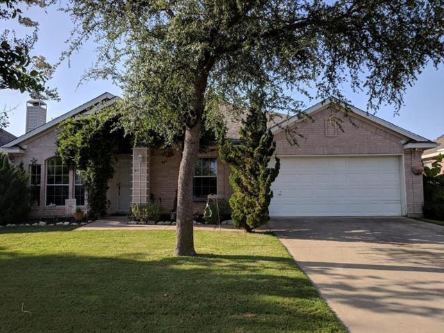 813 Dayspring Drive, Denton, TX 76210 (MLS #13891130) :: RE/MAX Landmark