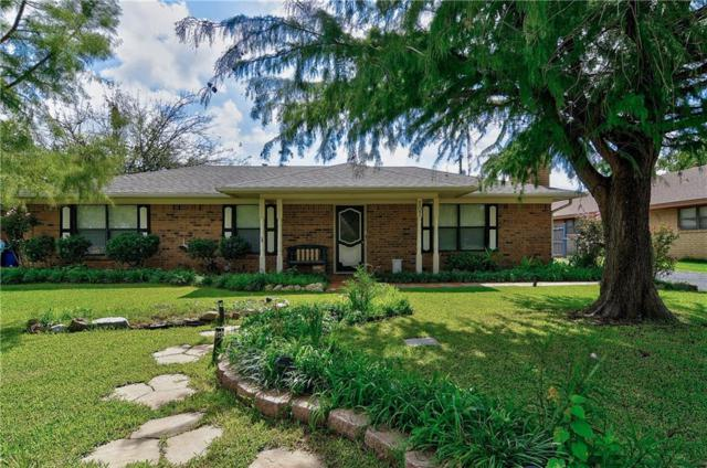 107 Texoma Drive, Whitesboro, TX 76273 (MLS #13922151) :: Frankie Arthur Real Estate