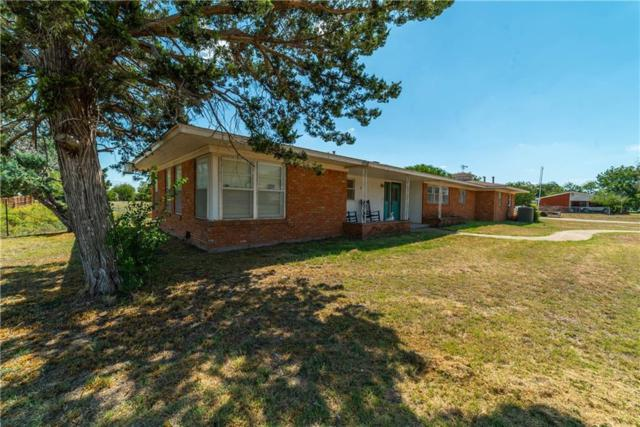 1502 Compton Street, Stamford, TX 79553 (MLS #13928555) :: RE/MAX Town & Country