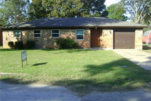 706 E Main Street, Pilot Point, TX 76258 (MLS #13966806) :: RE/MAX Town & Country