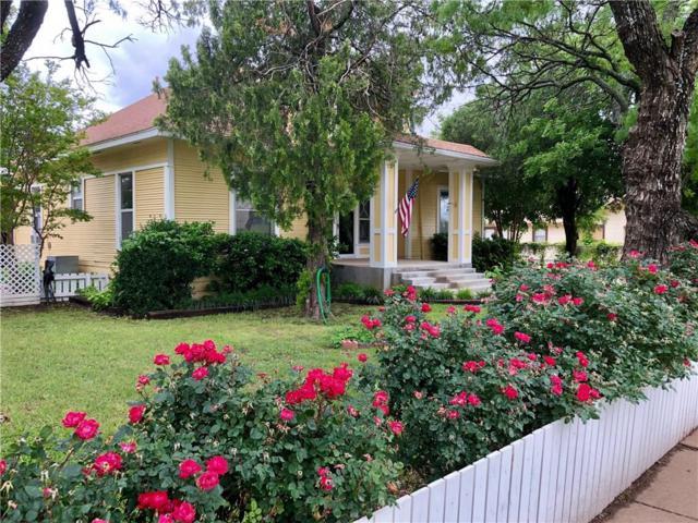 712 E Vanderbilt Street, Stamford, TX 79553 (MLS #14010023) :: Baldree Home Team