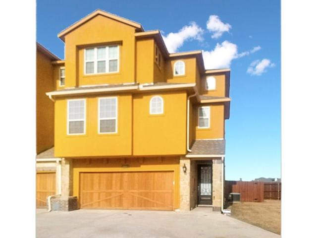 2690 Venice Drive #1, Grand Prairie, TX 75054 (MLS #14035501) :: The Hornburg Real Estate Group