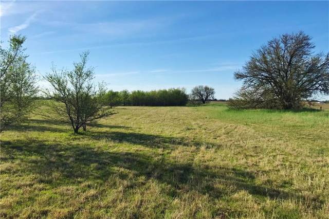 000 Cottonwood Lane, Vernon, TX 76384 (MLS #14058325) :: The Mauelshagen Group