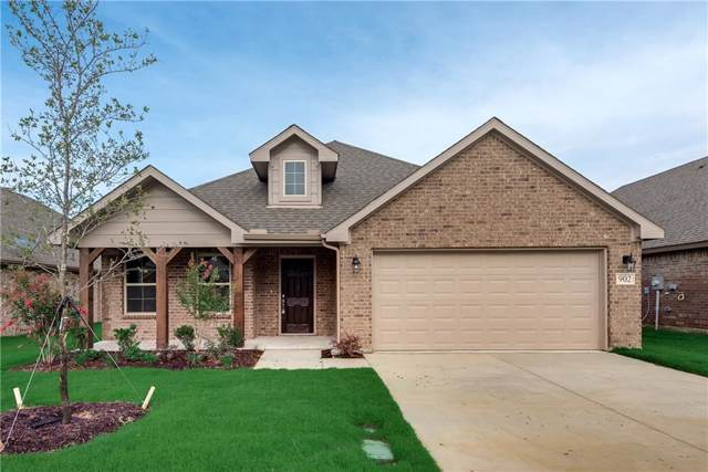 902 Vintage Avenue, Gainesville, TX 76240 (MLS #14074141) :: The Real Estate Station