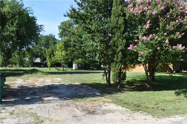 400 E Division Street, Pilot Point, TX 76258 (MLS #14115675) :: The Real Estate Station