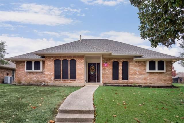 3927 Vista Woods Circle, Carrollton, TX 75007 (MLS #14230959) :: Acker Properties