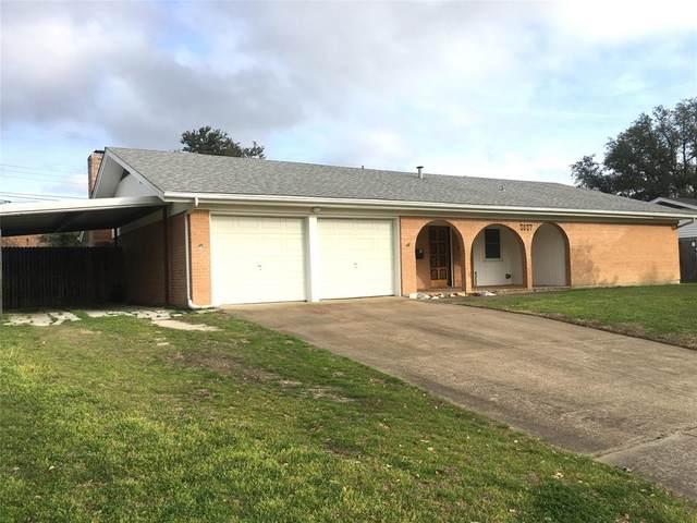 3837 Sagebrush Road, Benbrook, TX 76116 (MLS #14231009) :: Potts Realty Group