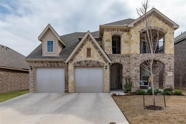 11721 Tuscarora Drive, Fort Worth, TX 76108 (MLS #14292675) :: The Kimberly Davis Group