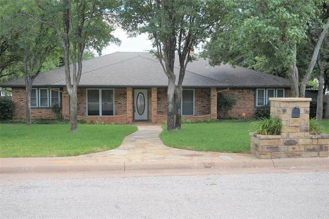 110 Fawn Trail, Graham, TX 76450 (MLS #14292848) :: The Hornburg Real Estate Group