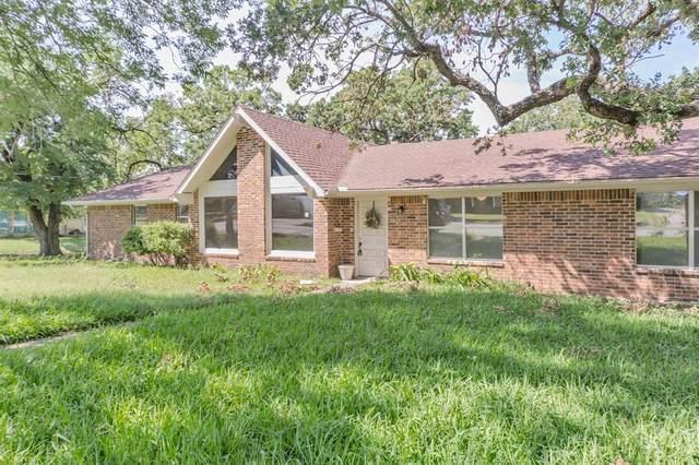 700 W Pecan Street, Bowie, TX 76230 (MLS #14337895) :: Bray Real Estate Group