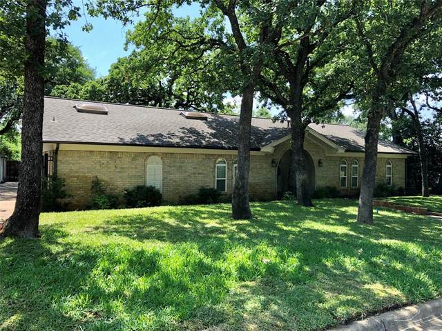 2845 Hurstview Drive, Hurst, TX 76054 (MLS #14348959) :: The Chad Smith Team