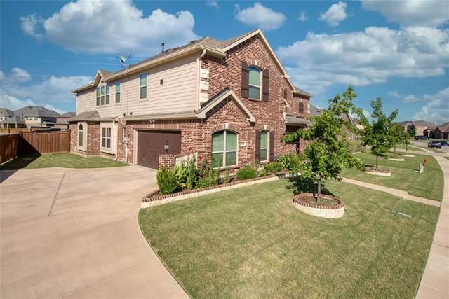 7240 Laguna, Grand Prairie, TX 75054 (MLS #14379969) :: All Cities USA Realty