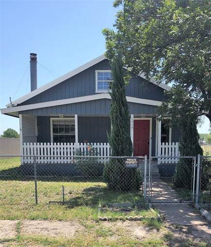 1510 N Walnut Street, Brady, TX 76825 (MLS #14401242) :: Maegan Brest | Keller Williams Realty
