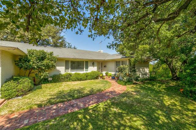 400 Hazelwood Drive W, Fort Worth, TX 76107 (MLS #14413441) :: Frankie Arthur Real Estate
