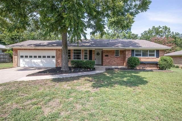 809 Linwood Drive, Denton, TX 76209 (MLS #14436590) :: RE/MAX Landmark