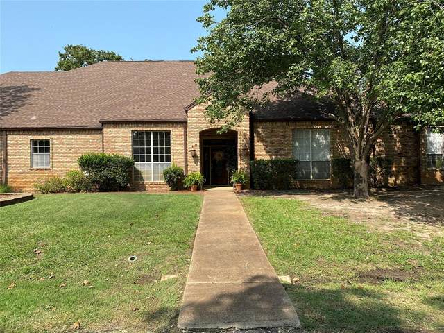 150 Pinehurst Drive, Mabank, TX 75156 (MLS #14437575) :: Frankie Arthur Real Estate