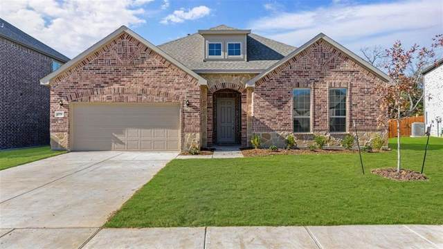 1320 Bobcat Trail, Wylie, TX 75098 (MLS #14438224) :: Real Estate By Design