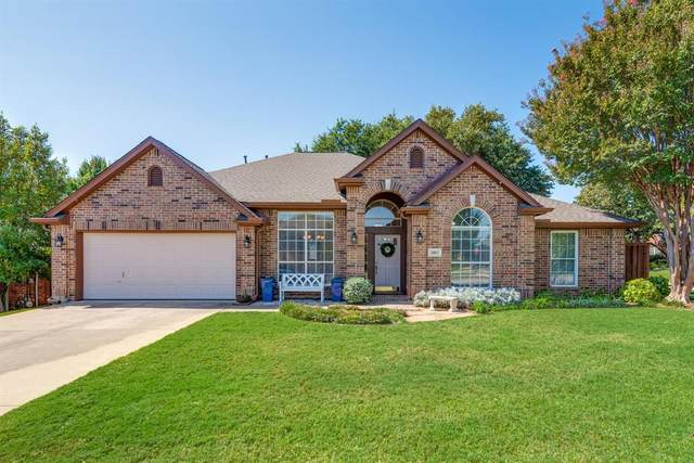 2813 Springbranch Court, Grapevine, TX 76051 (MLS #14444448) :: Potts Realty Group