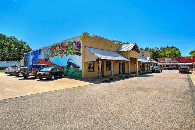 105 N Main Street, Collinsville, TX 76233 (MLS #14444501) :: The Mauelshagen Group
