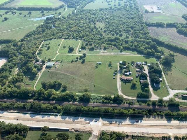 10711 Justin Cemetery Road, Justin, TX 76247 (MLS #14459381) :: The Mitchell Group