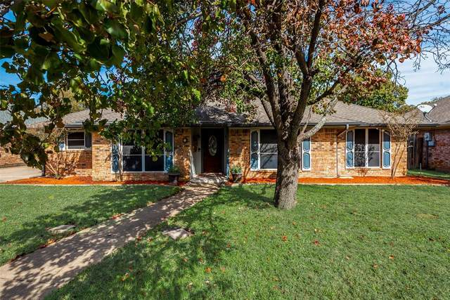 6 Royal Oaks Place, Hickory Creek, TX 75065 (MLS #14466249) :: Real Estate By Design