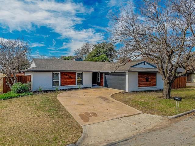 15705 Kingscrest Circle, Dallas, TX 75248 (MLS #14490114) :: Front Real Estate Co.