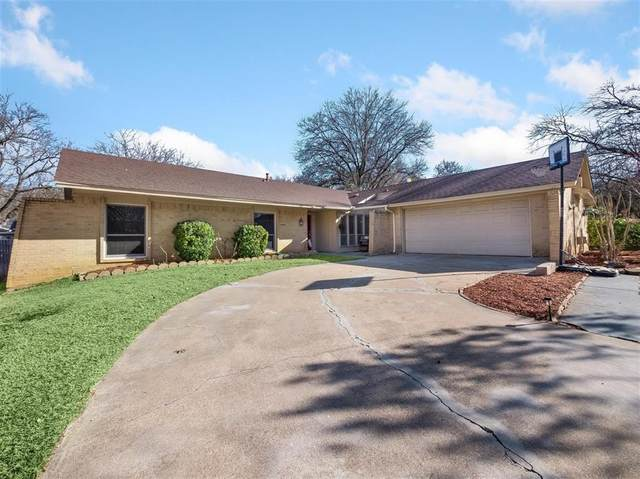 2201 Valleydale Drive, Arlington, TX 76013 (#14498333) :: Homes By Lainie Real Estate Group
