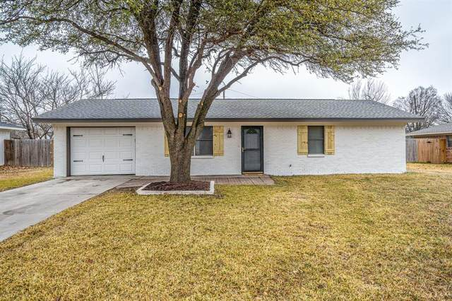 120 Southmeadow Drive, Sanger, TX 76266 (MLS #14515277) :: The Kimberly Davis Group