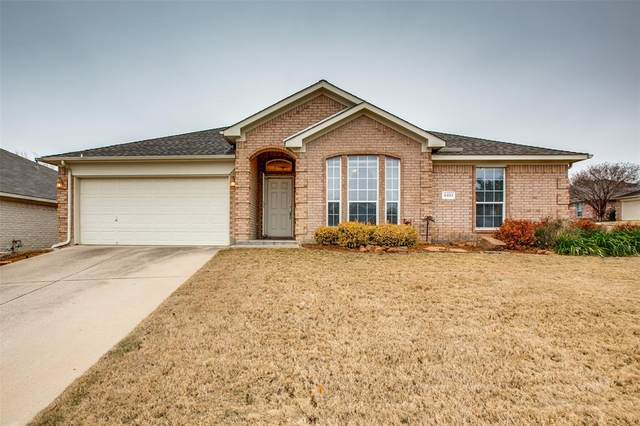 4901 Saddlehorn Drive, Arlington, TX 76017 (MLS #14517029) :: Robbins Real Estate Group