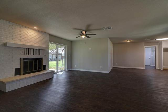 201 W Wilson Avenue, Whitney, TX 76692 (MLS #14526081) :: Team Hodnett