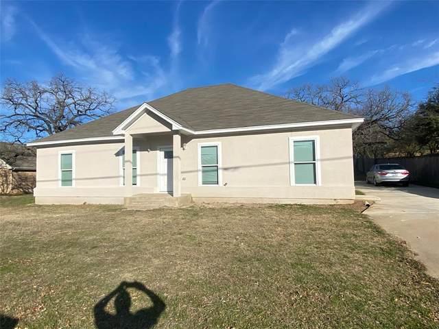 2703 W Green Oaks Boulevard, Arlington, TX 76016 (MLS #14544221) :: Craig Properties Group
